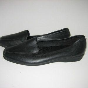 I LOVE COMFORT Gem Black Leather Loafers, 10 W